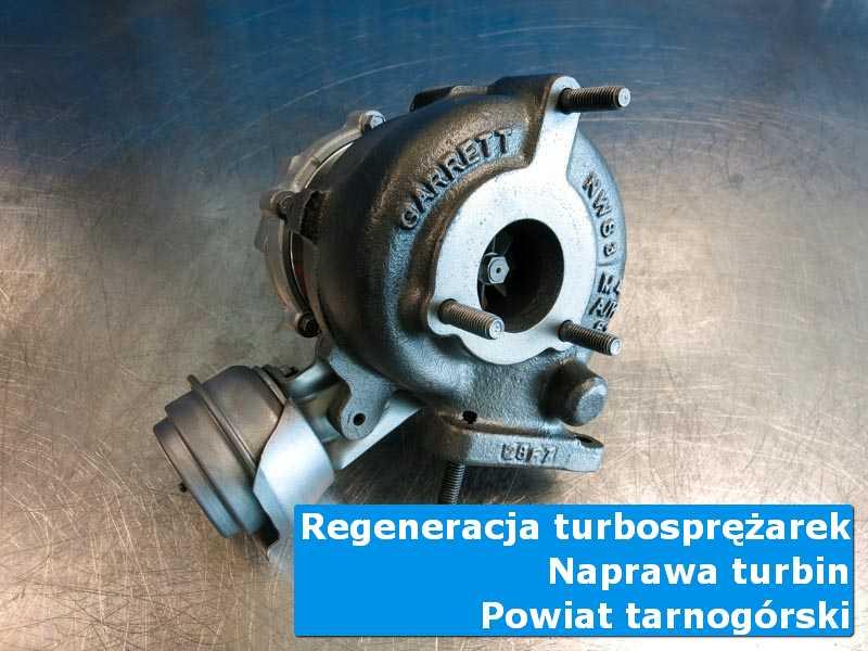 Turbosprężarka po regeneracji na stole w pracowni, powiat tarnogórski