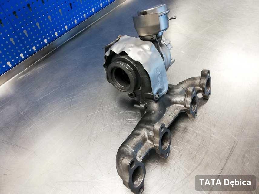 Wyremontowana w pracowni regeneracji w Dębicy turbosprężarka do osobówki z logo TATA przyszykowana w laboratorium po naprawie przed spakowaniem