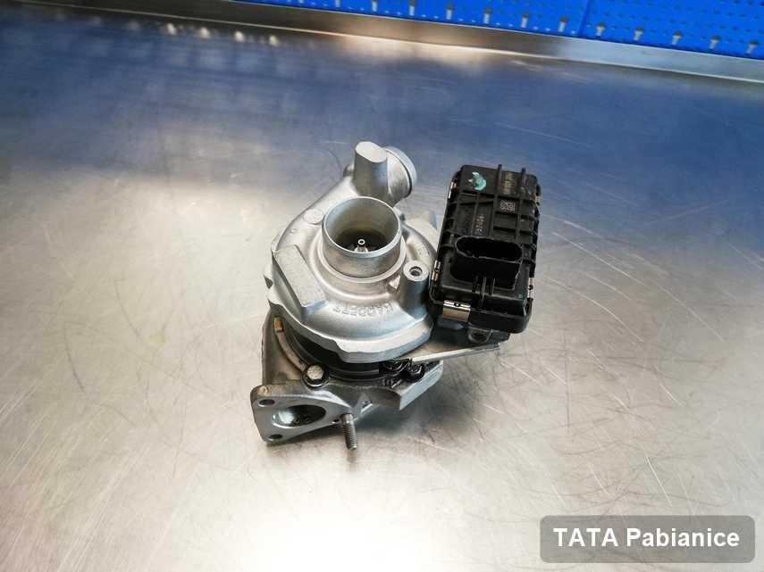 Zregenerowana w firmie zajmującej się regeneracją w Pabianicach turbosprężarka do samochodu marki TATA przygotowana w warsztacie po naprawie przed wysyłką