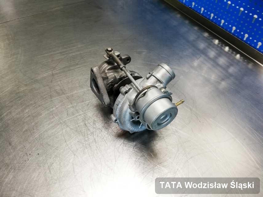Wyczyszczona w przedsiębiorstwie w Wodzisławiu Śląskim turbina do samochodu firmy TATA przygotowana w pracowni po remoncie przed wysyłką