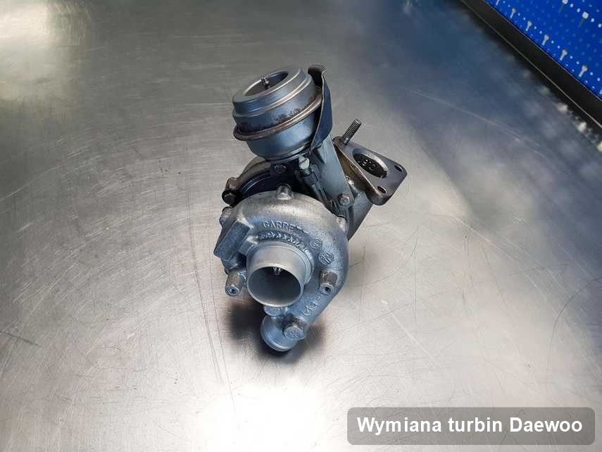 Turbosprężarka do auta z logo Daewoo naprawiona w firmie gdzie wykonuje się usługę Wymiana turbin