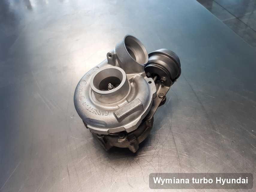Turbina do samochodu osobowego producenta Hyundai po naprawie w laboratorium gdzie wykonuje się usługę Wymiana turbo