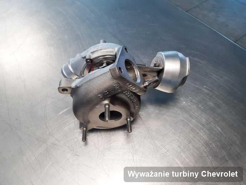 Turbina do samochodu z logo Chevrolet zregenerowana w firmie gdzie przeprowadza się  serwis Wyważanie turbiny