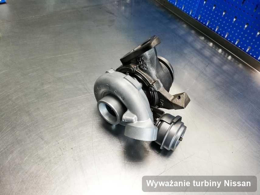 Turbosprężarka do osobówki marki Nissan wyczyszczona w laboratorium gdzie zleca się serwis Wyważanie turbiny