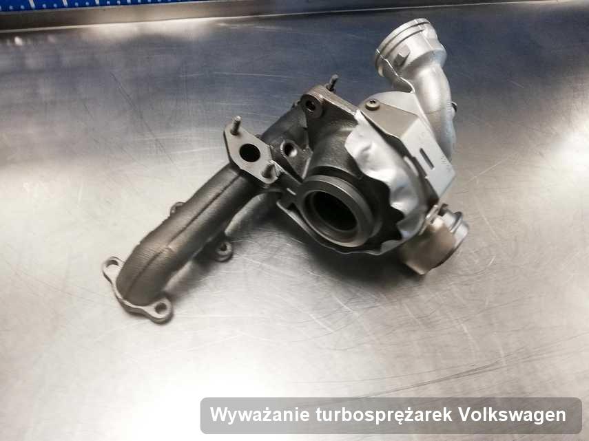 Turbina do samochodu osobowego spod znaku Volkswagen wyczyszczona w firmie gdzie przeprowadza się  serwis Wyważanie turbosprężarek
